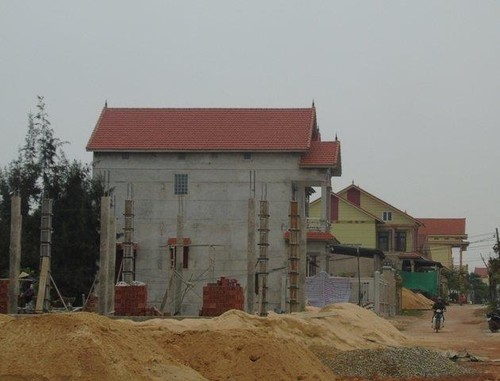 """Dot nhap lang ty phu """"Xe un"""" o Quang Binh-Hinh-3"""