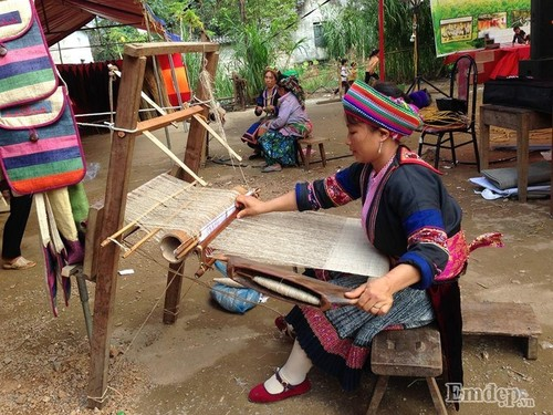 "Tham phien cho ""tinh mot dem"" doc dao chi co o Ha Giang-Hinh-4"