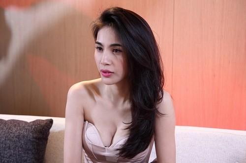 Ngo ngang tuoi tho bat hanh cua Phan Anh va Thuy Tien