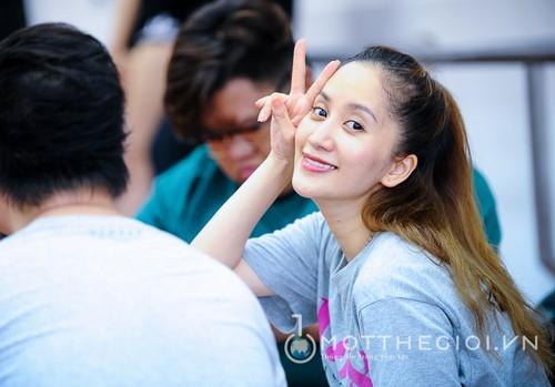 Khanh Thi ly giai viec moi ca Chi Anh, Phan Hien tham gia liveshow