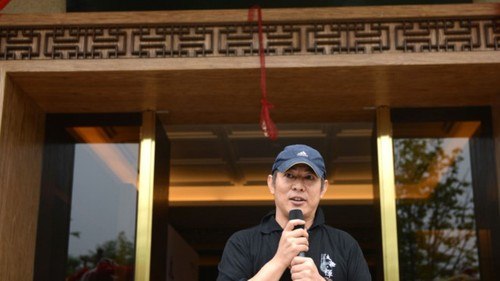 Khong dong phim, Ly Lien Kiet van song tren nhung lua nho dau?