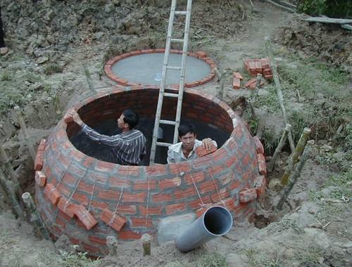 3 anh em chet ngat khi ham biogas: Cuc chan nuoi noi gi?