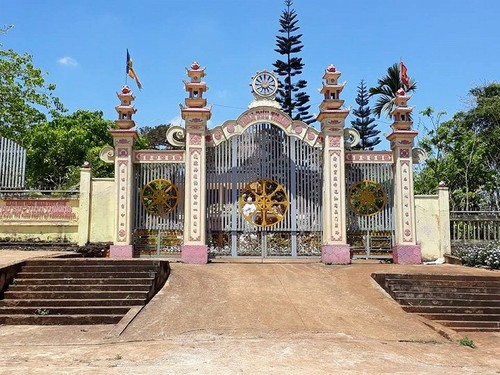 Phan mo coi cua nhung manh doi bat hanh tai chua Buu Thang-Hinh-2