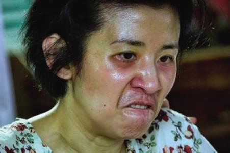 """""""Noi ban bat"""" nu hoang phim hai Hong Kong vua xau vua beo"""