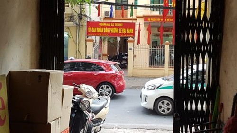 Ha Noi: Chiem dung noc nha ve sinh co xay 2 tang nha-Hinh-4