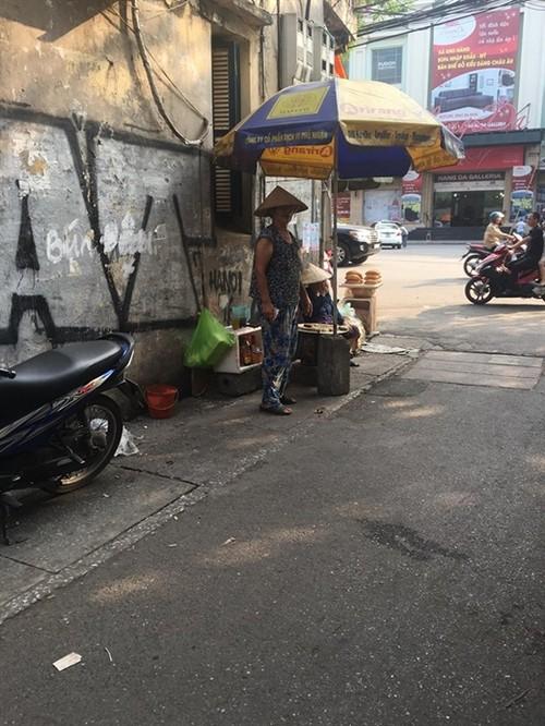 Xot xa cuoc song muu sinh cua cu ba nuoi chau nho-Hinh-2