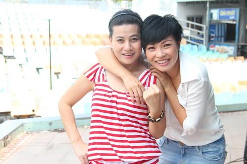 Co hay khong dinh nghia 'ban than' trong showbiz Viet?