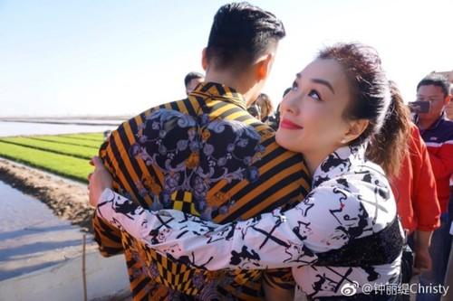 Chung Le De la cai gai trong mat nguoi Trung Quoc?-Hinh-2