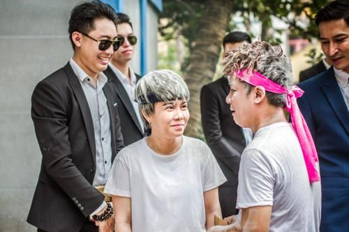 """Viet Huong ke chuyen dong phim """"duoi co"""" Minh Nhi"""