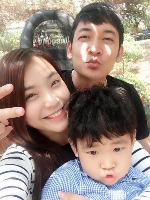 """Dam Thu Trang dua Subeo di choi: Chuyen """"banh duc co xuong"""" trong Vbiz-Hinh-2"""