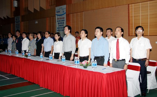 Khai mac Giai cau long HSSV tranh cup Bao Tuoi tre Thu do lan thu IV-Hinh-2