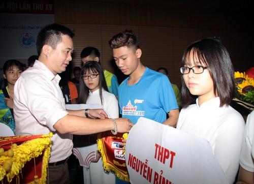 Khai mac Giai cau long HSSV tranh cup Bao Tuoi tre Thu do lan thu IV-Hinh-8