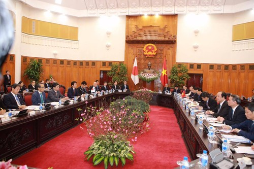 Thu tuong Nguyen Xuan Phuc hoi dam voi Thu tuong Shinzo Abe-Hinh-5