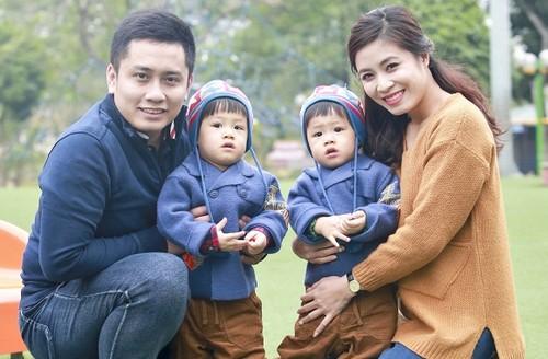 Tranh cai truoc ly do ly hon cua MC 'Chung toi la chien sy'-Hinh-3