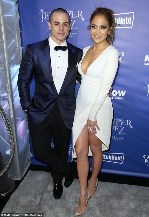 Jennifer Lopez bat ngo phu nhan tin don dinh hon-Hinh-2
