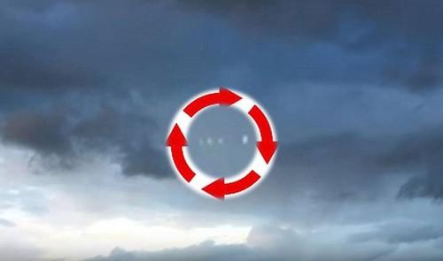 Vat the sang la nghi UFO noi duoi di chuyen o Columbia-Hinh-3