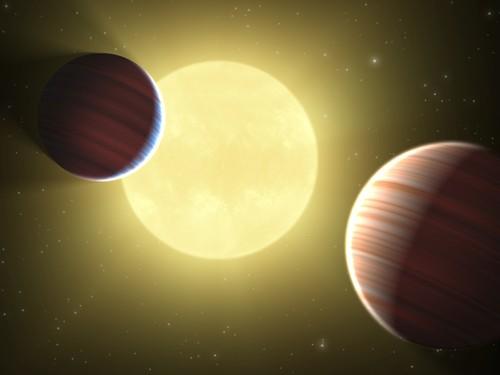"Hai hanh tinh ""khung"" quanh sao HD 27894 co gi dac biet?"