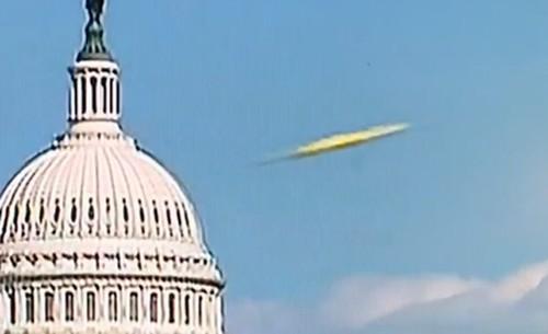 Xon xao vat the nghi UFO qua gan toa nha Capitol, My-Hinh-2