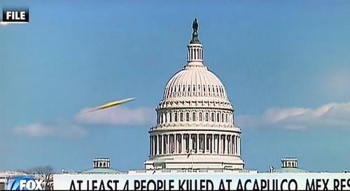 Xon xao vat the nghi UFO qua gan toa nha Capitol, My