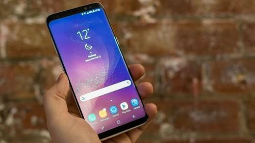 He thong nhan dien mong mat cua Galaxy S8 bi vo hieu hoa?