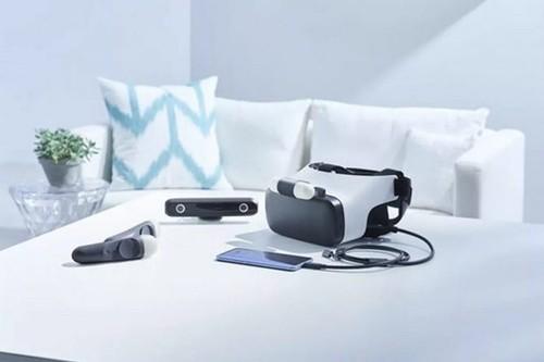 HTC gioi thieu thiet bi deo VR, co tay cam dieu khien-Hinh-3