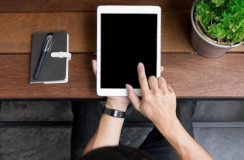 Trieu Tien ra mat may tinh bang rieng co ten iPad-Hinh-2