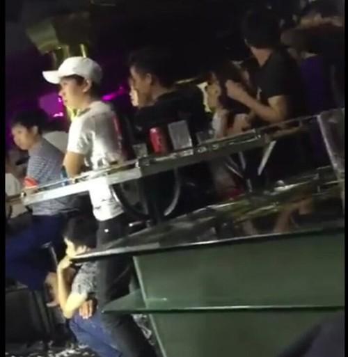 Dot kich quan bar, 40 dan choi duong tinh voi chat kich thich-Hinh-2