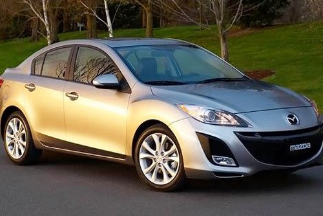 Trieu hoi hon 173.000 xe Mazda2 va Mazda3 dinh loi