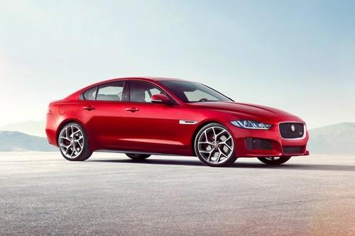 Trieu hoi Jaguar XE 2016 vi loi lam mat nhien lieu