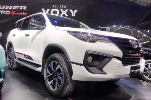 Toyota Fortuner TRD Thai Lan va Indonesia co gi khac biet?-Hinh-2