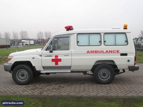 Toyota Hilux va Land Cruiser - thien than hay ac quy?-Hinh-3