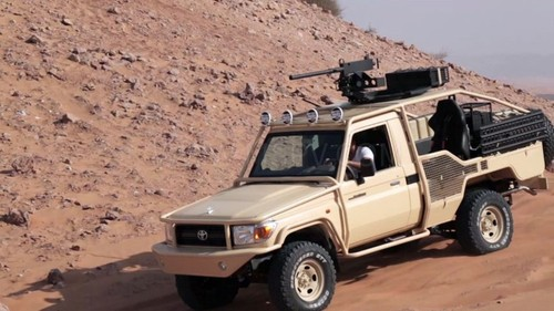 Toyota Hilux va Land Cruiser - thien than hay ac quy?-Hinh-7
