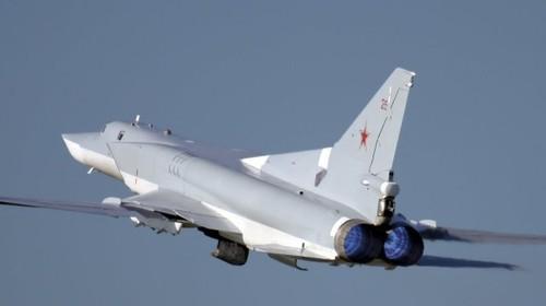 Nga nang cap mot phan may bay nem bom Tu-22M3