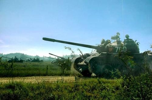 Bat ngo he thong dieu khien hoa luc cua xe tang T-55 Viet Nam-Hinh-2