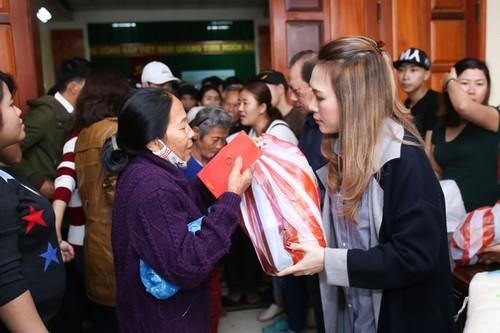 My Tam thuc trang dem chuan bi qua Tet cho nguoi ngheo-Hinh-5