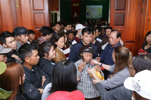 My Tam thuc trang dem chuan bi qua Tet cho nguoi ngheo-Hinh-6