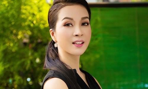 """4 nang Hoa hau, A hau dep quen tuoi khien gai tre phai """"chay dai""""-Hinh-2"""