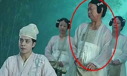 """""""Bac gai xau xi"""" trong phim Chau Tinh Tri ngay cang noi tieng"""
