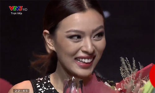 Hoc tro Lan Khue tro thanh quan quan The Face 2017