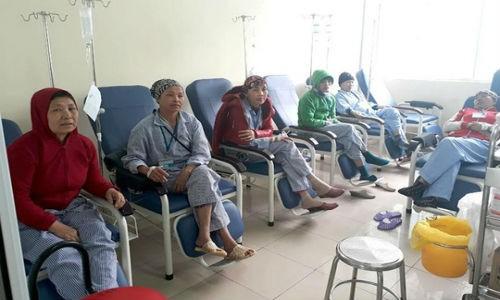 "Dang chat loi benh nhan ung thu giua ""con bao"" VN Pharma"
