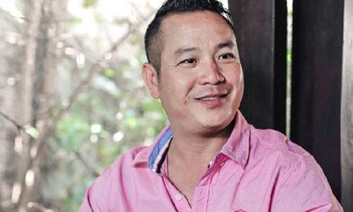 Em trai Quyen Linh mat trang 3 ty khi san khau khai truong-Hinh-2