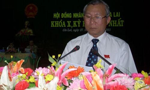 Nguyen Chu tich UBND tinh Gia Lai tu nhan ky luat canh cao