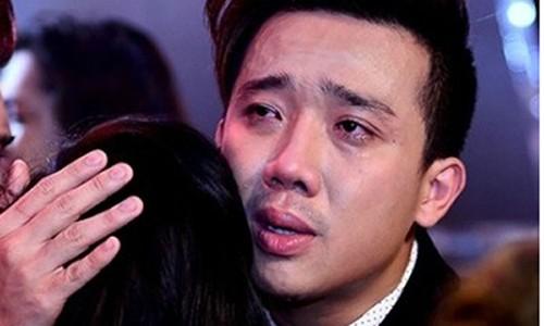 """MC Tran Thanh dang bi """"van han"""" bua vay?"""