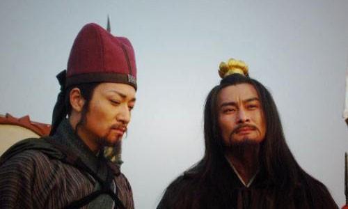 """Doi thuc be boi cua """"cao thu Luong Son Bac"""" trong Thuy Hu"""
