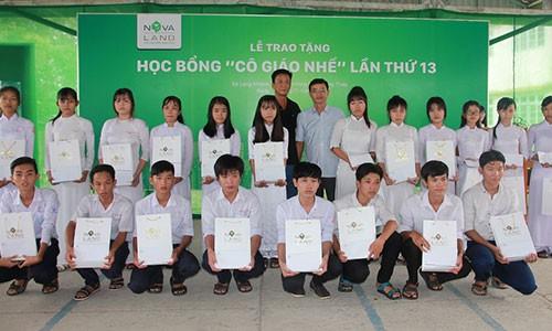 Hoc bong Co giao Nhe: 13 nam nang buoc em den truong-Hinh-2