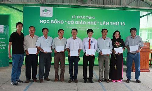 Hoc bong Co giao Nhe: 13 nam nang buoc em den truong-Hinh-4