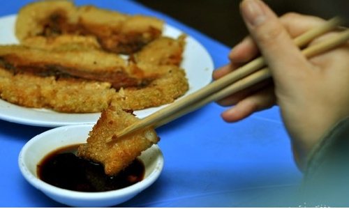 An banh chung the nao de khong nong trong nguoi?