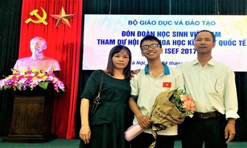 "Doat giai Intel ISEF, tac gia ""Canh tay robot"" duoc khen thuong-Hinh-2"