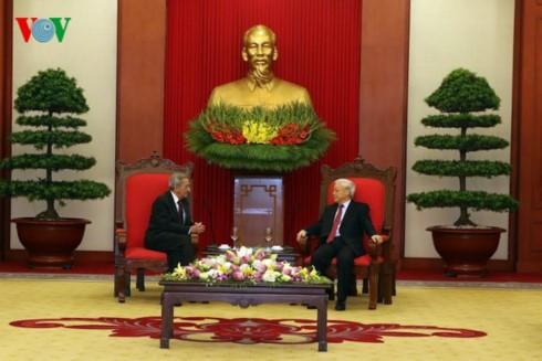 Tong Bi thu Nguyen Phu Trong tiep Doan dai bieu Dang Cong san Cuba