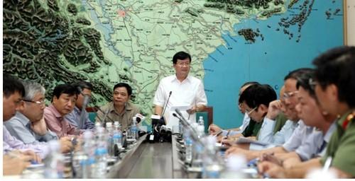 Pho Thu tuong Trinh Dinh Dung chi dao khac phuc mua lu, ung pho bao Sarika-Hinh-2